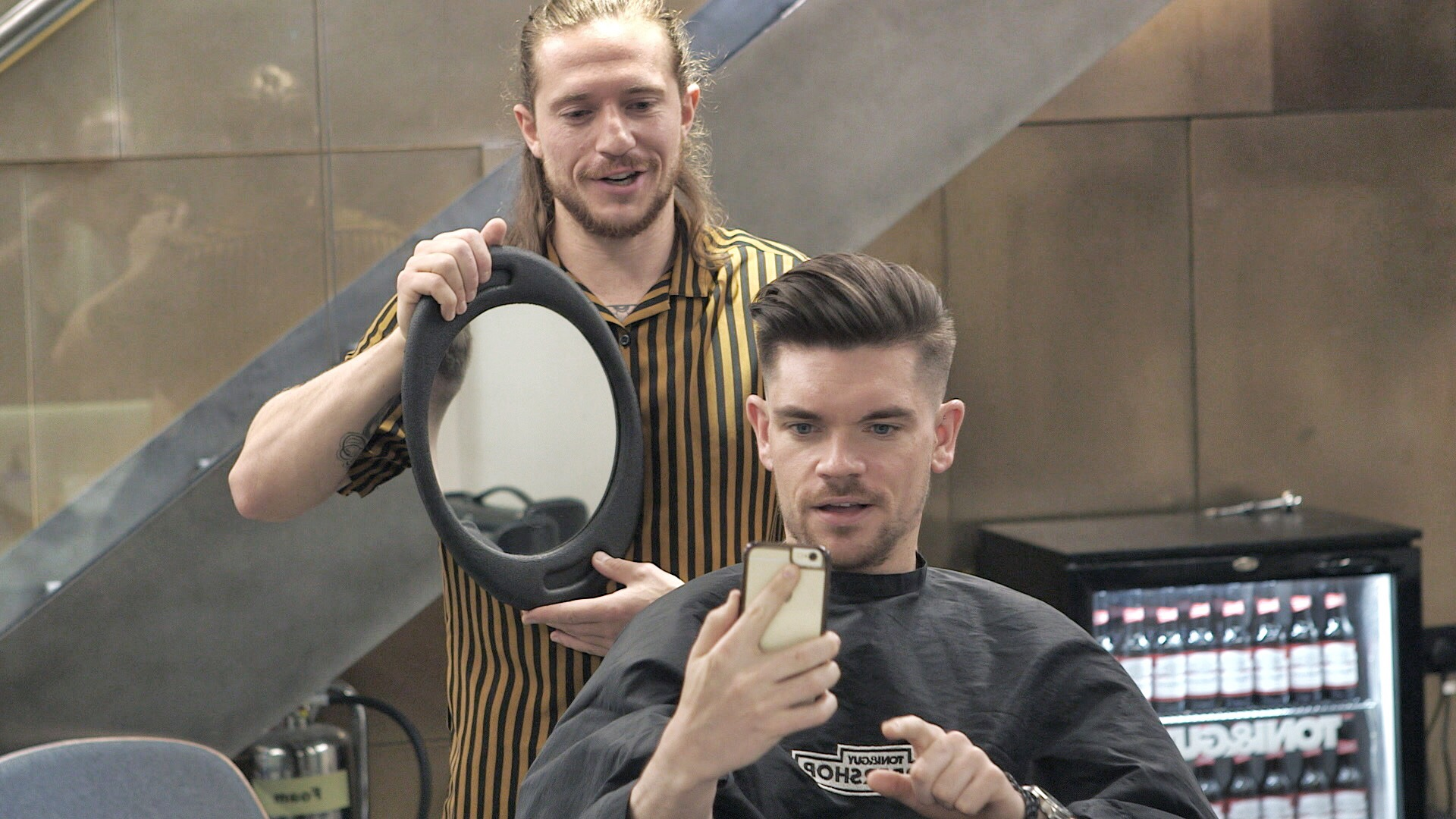 skin-fade-haircut-side-pomp-hairstyle-how-to-Charlie-Cullen