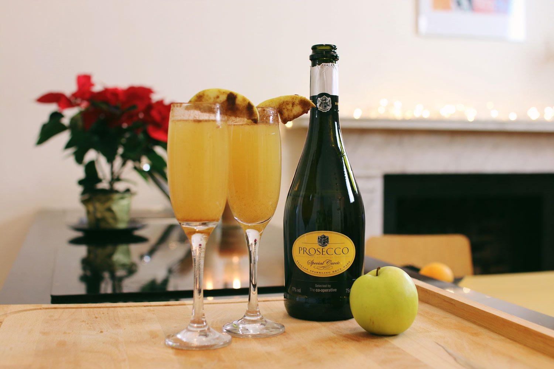 Spiced-Apple-Mimosa-Christmas-Cocktail